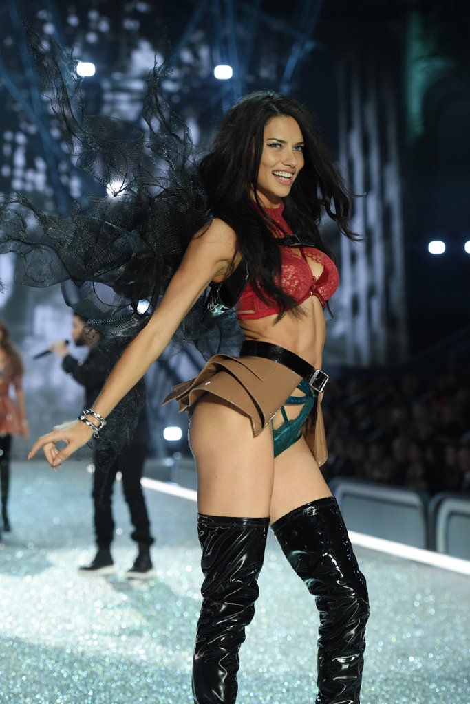 pictured-adriana-lima